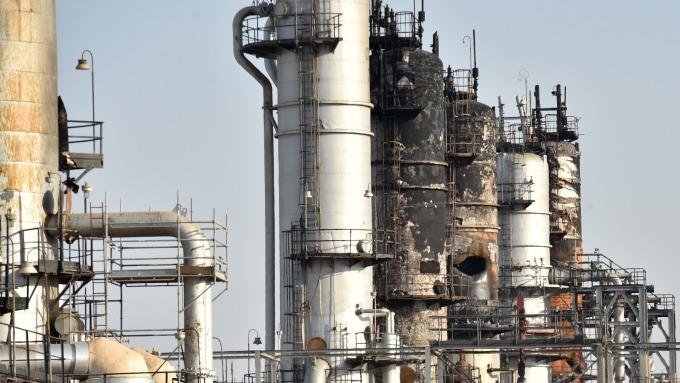 分析師:只要原油設施未受攻擊 油價漲勢不會持續  (圖:AFP)