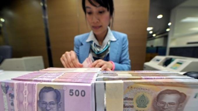 匯率升值對出口太傷!泰國央行將放寬資本外流規定 (圖片:AFP)