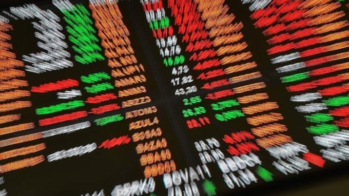 金融市場「輕舟又過萬重山」謝金河示警:下一波華為台系鏈要當心。(圖:AFP)
