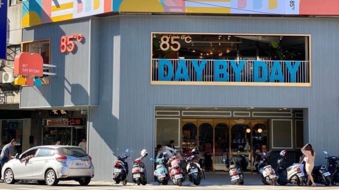 85度C全新店型,首店落腳台中。(圖:美食提供)