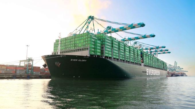 長榮海運是國內最積極加裝脫硫塔的航商。(圖:長榮提供)