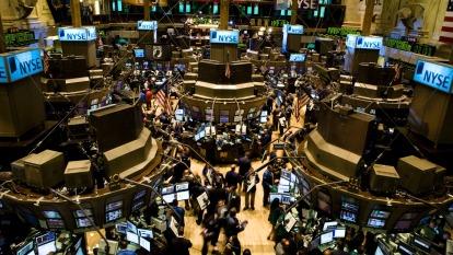 〈美股盤後〉美股收黑!美12月非農差強人意 川普批准新增制裁。(圖片:AFP)