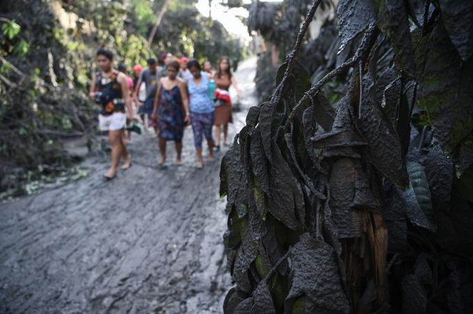 菲律賓塔爾火山瀕臨爆發,當地政府緊急撤離數千名居民。(圖:AFP)