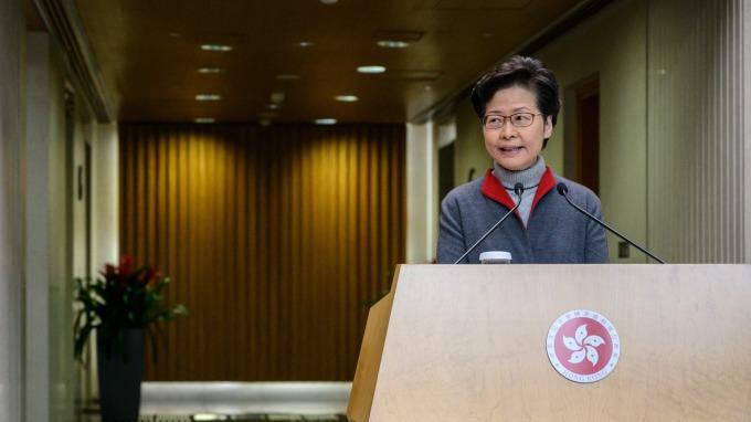 港府再推100億港元民生紓困措施 集中社會弱勢族群 (圖:AFP)