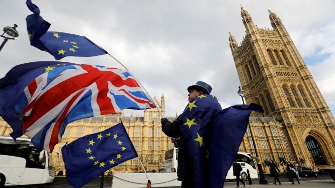 英國12月CPI創三年新低 央行降息呼聲高 (圖:AFP)