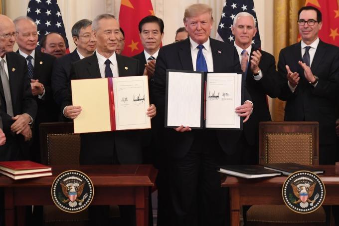 美中簽署第一階段協議。(圖片:AFP)