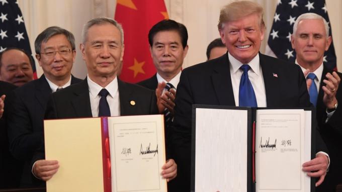 美中正式簽署第一階段協議 川普:具里程碑意義 下階段取消關稅。(圖片:AFP)
