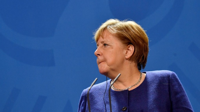 美中科技戰正熱 梅克爾:歐洲應自製晶片、電動車電池(圖片:AFP)