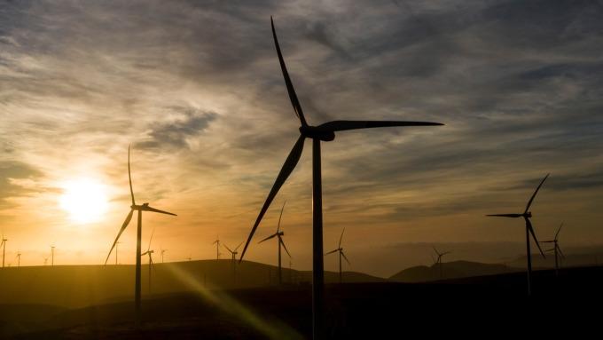布局台灣半導體、離岸風電 去年僑外投資金額創10年來次高。(圖:AFP)