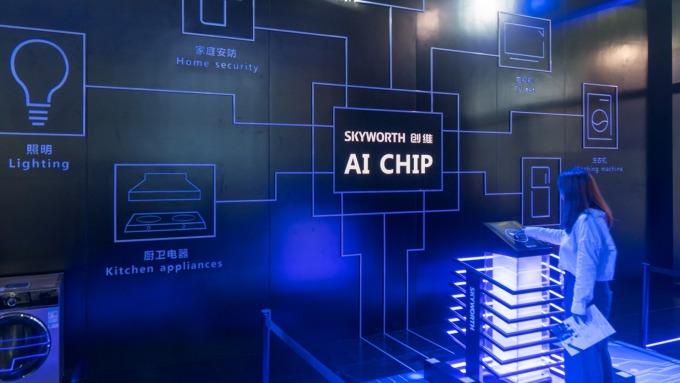 AI浪潮掀人才需求熱 半導體年薪86.6萬元居產業之冠。(圖:AFP)