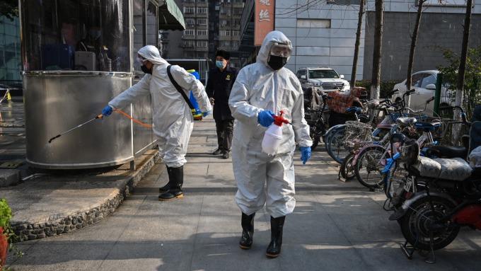 武漢肺炎重創陸股,布局大中華基金忌諱單筆介入。(圖:AFP)