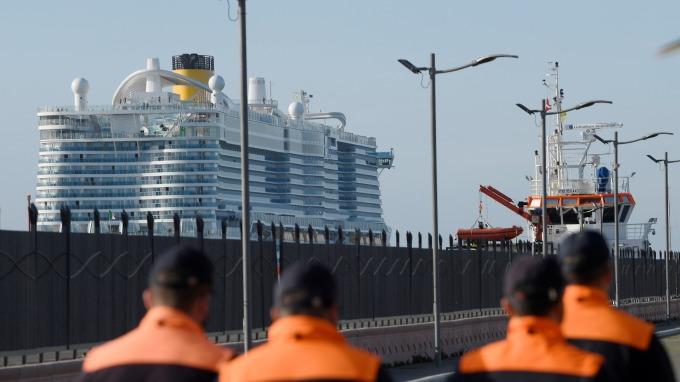 虛驚一場!澳門旅客檢測為陰性 六千旅客「白卡」義大利郵輪 (圖片:AFP)
