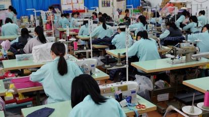勞動基金去年大賺4735億元 勞退新制每人可望分得逾2萬元紅包。(圖:AFP)