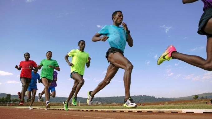 國際田總推新制 Nike Vaporfly系列跑鞋獲准於東奧亮相 (圖:AFP)