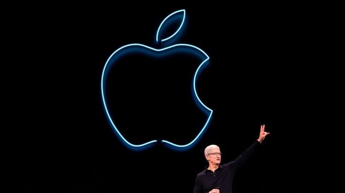 武漢肺炎料衝擊產能與消費需求 蘋果與其供應鏈週五狂跌。(圖片:AFP)