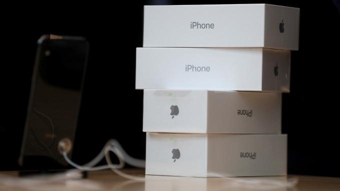 彭博:若無意外 蘋果供應鏈預計10日全面復工 (圖:AFP)