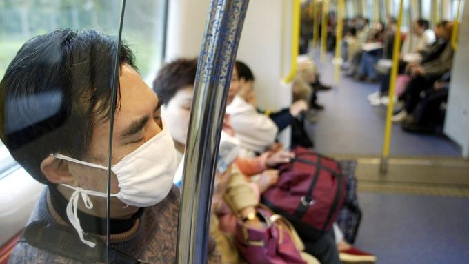 美專家擔心肺炎疫情恐「流感化」(圖片:AFP)