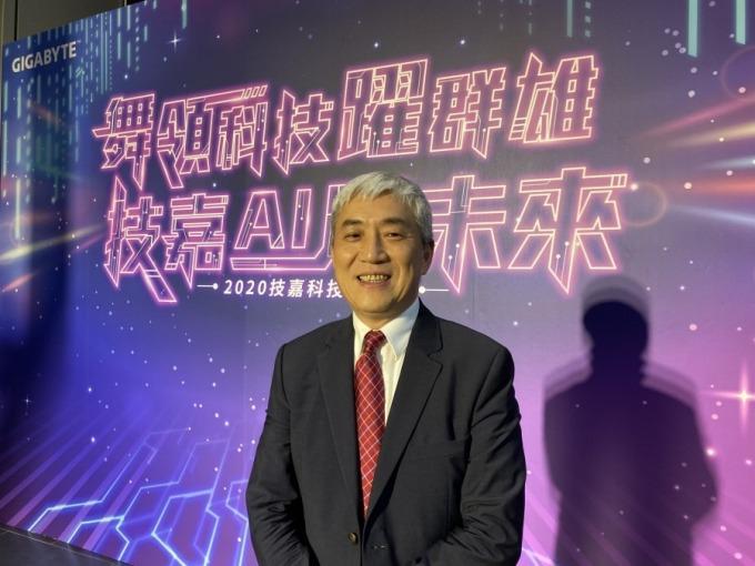 技嘉董事長葉培城認為中國調降顯示卡增值稅,加強查稅,對技嘉衝刺中國市場有幫助。(圖片來源:王郁倫攝影)
