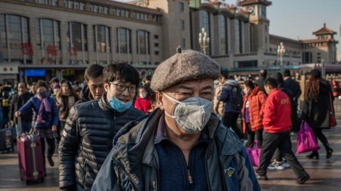 北京宣布封城 市場擔心上海將跟進(圖片:AFP)