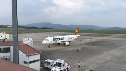 菲禁台灣人入境 航空業營運雪上加霜 虎航將取消所有往返航班。(圖:AFP)