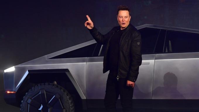 馬斯克:汽油車的剩餘價值將在未來幾年暴跌(圖片:AFP)