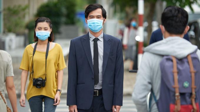 有形防護戴口罩 無形保障選保險 三大險種防疫必備。(圖:宏泰人壽提供)