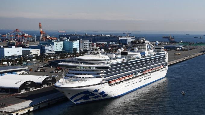 鑽石公主確診病例增至218人 高齡乘客將優先下船 (圖片:AFP)