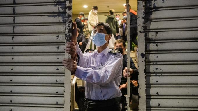 繼十堰張灣區 湖北大悟縣宣布明起進入戰時管制 (圖:AFP)