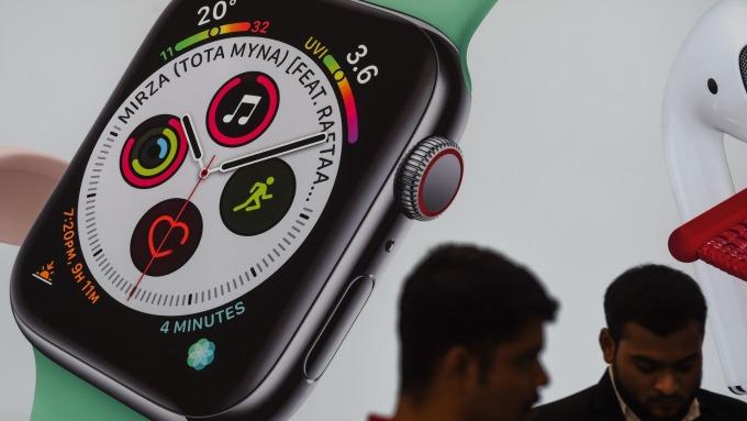 傳Apple Watch背殼將添加「可組裝」功能模塊  (圖片:AFP)