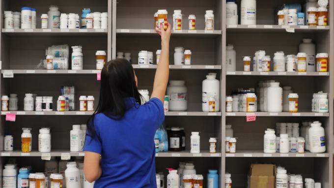 台康生將陸續取得乳癌藥授權金21億元 早盤一度攻漲停。(圖:AFP)