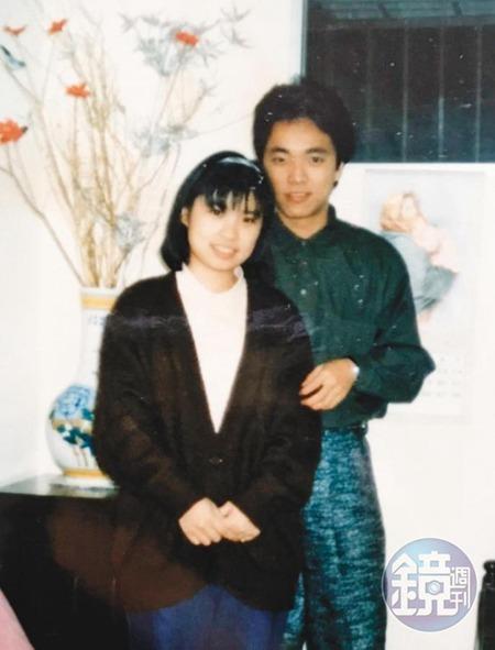 林啟聖(右)大二時與妻子(左)奉子成婚。(林啟聖提供)