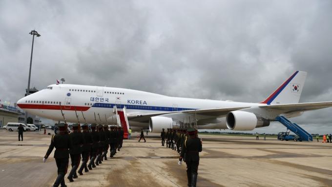 鑽石公主號乘客將自19日起下船 南韓派總統專機接回 (圖片:AFP)