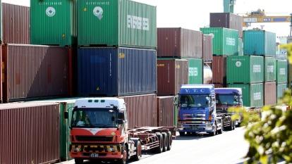 日本出口額連跌第14個月 連3月陷貿易逆差(圖片:AFP)