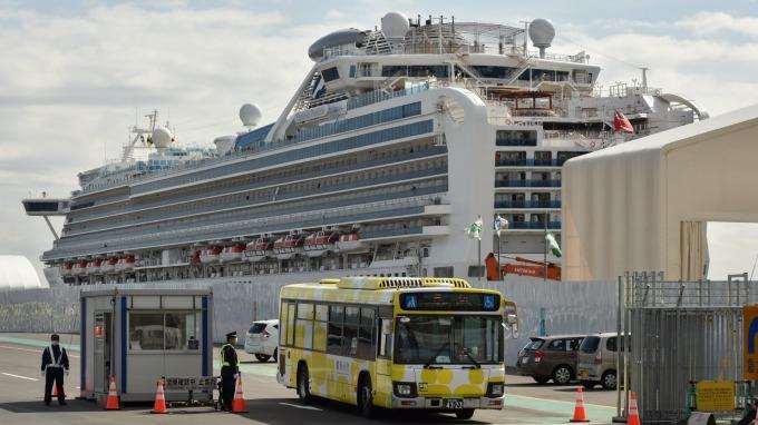 鑽石公主號乘客開始下船返家 預計耗費三天時間 (圖片:AFP)