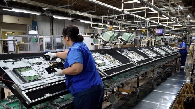 韓系面板廠面臨斷鏈,OLED電視銷量恐減少1成。(圖:AFP)