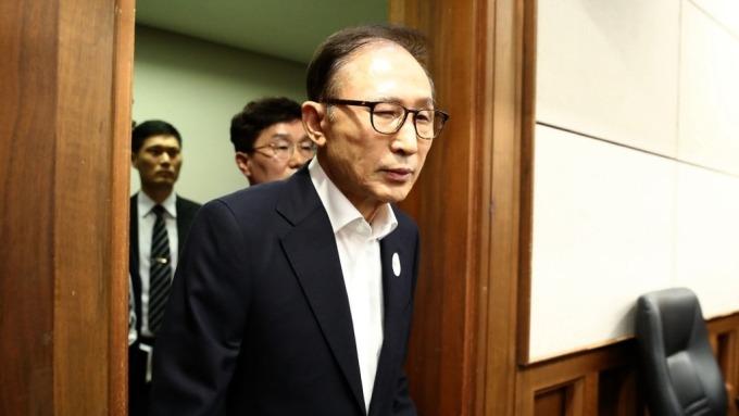 南韓前總統李明博貪污受賄案 二審遭判刑17年 罰金130億韓元(圖:AFP)