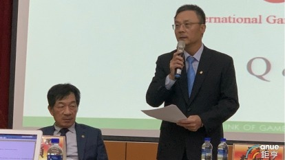 右起為鈊象董事長李柯柱、總經理江順成。(鉅亨網記者林薏茹攝)
