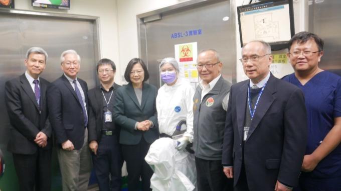 國衛院重大進展 完成武漢肺炎治療藥物毫克級合成。(圖:國衛院提供)