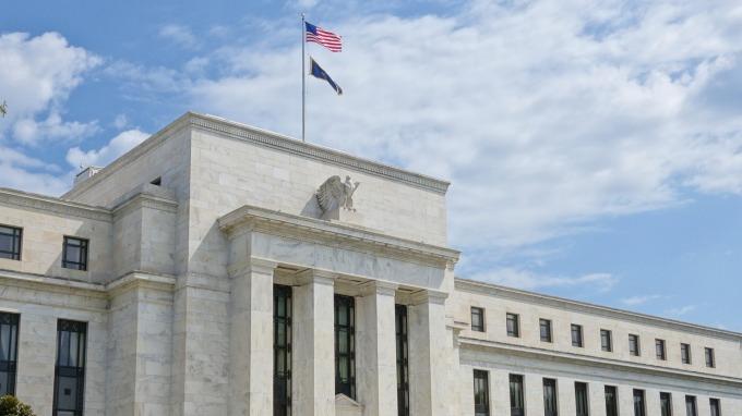 Fed副主席:央行貨幣政策絕沒有「盲從」市場預期(圖片:AFP)