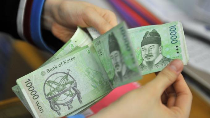 南韓疫情警戒升級 韓元、韓股週一同步重挫(圖:AFP)
