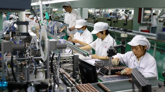 疫情衝擊產業 勞動部備妥41億元 擬補貼無薪假勞工。(圖:AFP)