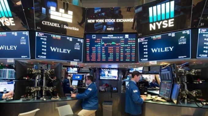 〈分析〉利率、庫藏股成美股雙重風險  (圖片:AFP)
