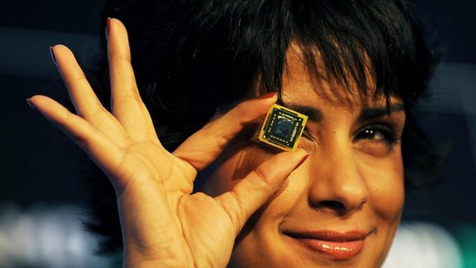 是時候逢低入場?投行Bernstein喊買這3檔晶片股 (圖片:AFP)