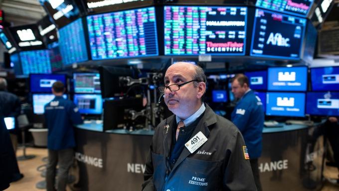〈美股盤後〉道瓊週跌逾3500 金融危機以來最慘。(圖片:AFP)