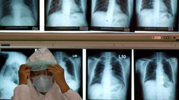 武漢肺炎疫情更新:韓國、中東、歐洲疫情壓不住 美國恐增溫(圖片:AFP)