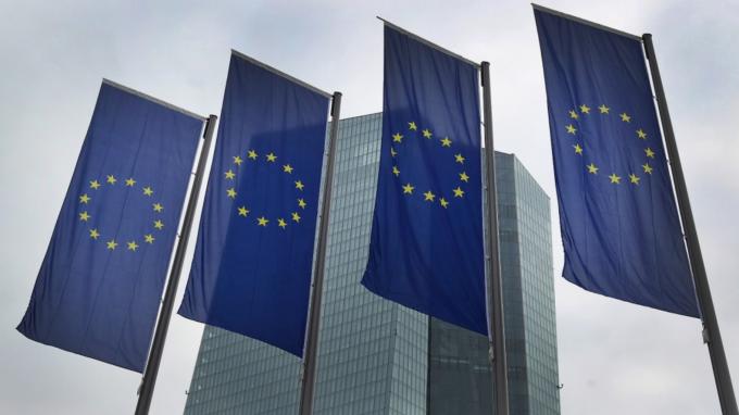歐盟證實首例官員確診!傳取消3月中旬前所有會議 (圖:AFP)