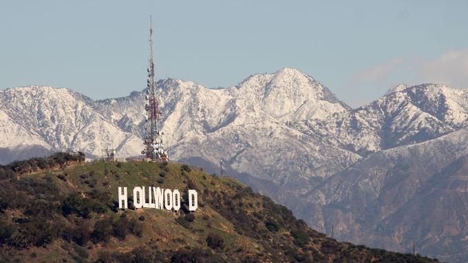 美國會撥83億美元防疫!洛杉磯進入緊急狀態 加州報死亡首例。(圖片,AFP)