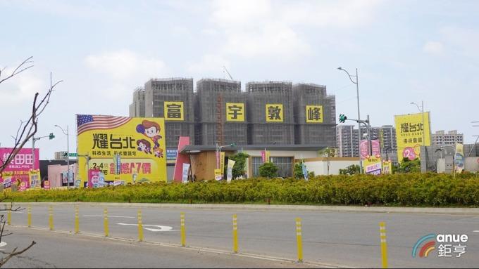富宇建設去年北台灣推案量約271.5億元,在A7重劃區案量進250億元。(鉅亨網記者張欽發攝)