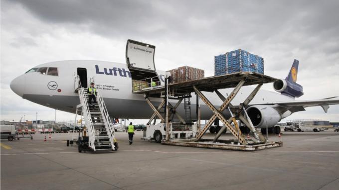 虧損再擴大!IATA:今年全球航空業損失恐達1130億美元 (圖:AFP)