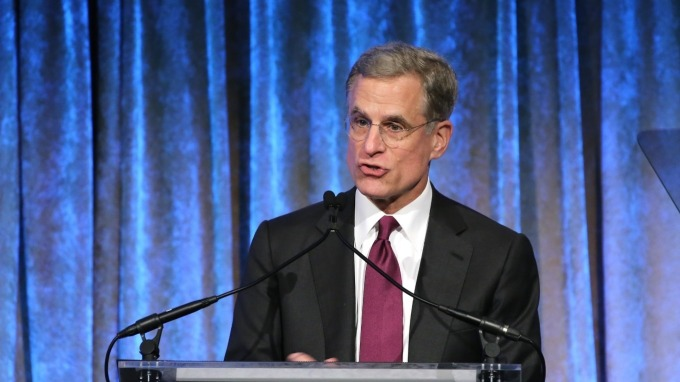 達拉斯聯邦準備銀行總裁卡普蘭(Robert Kaplan)表示,新增病例數是他評估本月是否降息的重要因素。(圖:AFP)